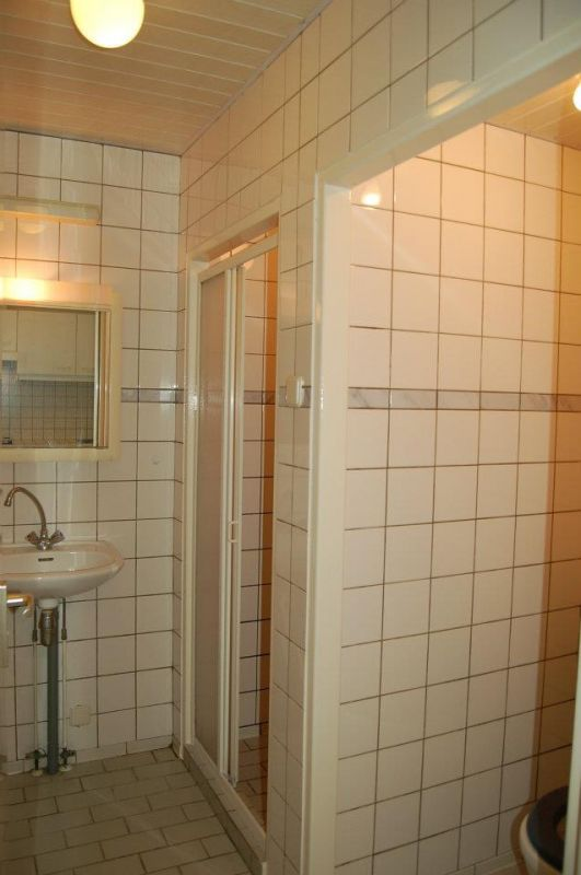 de oude badkamer, wordt nu geheel gemoderniseerd